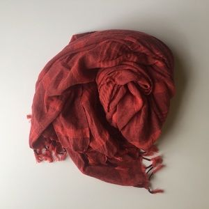 warm red cotton scarf | madewell